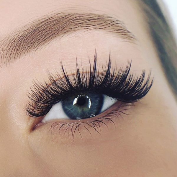 wispy strip lash
